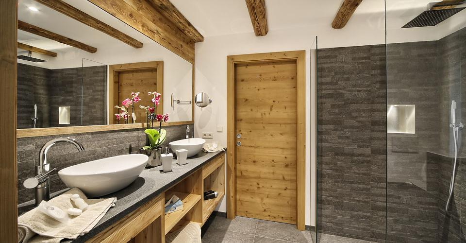 Alpine style chalet in Scena