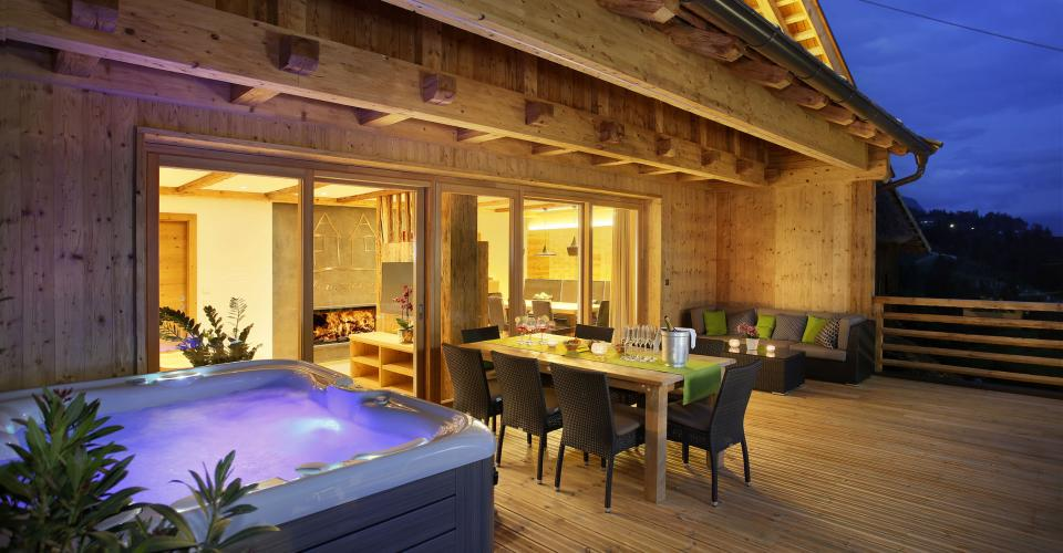 Obereggerhof Chalet - panoramic terrace with Jacuzzi